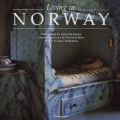 Living in Norway av Elisabeth Holte (Innbundet)